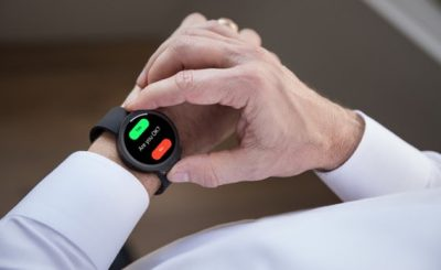 iBeat smartwatch alerts your family and friends in case of heart attack