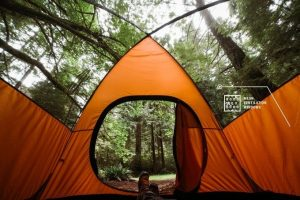 self-healing tent that repairs holes and punctures itself by friction