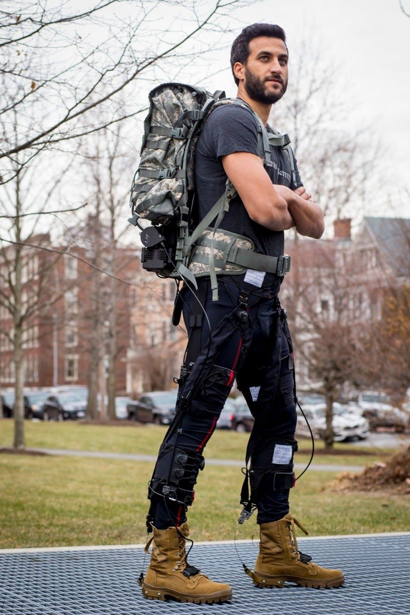Revolutionary Autonomous flexible multi-joint exosuit helps you save up to 15% energy while walking or running