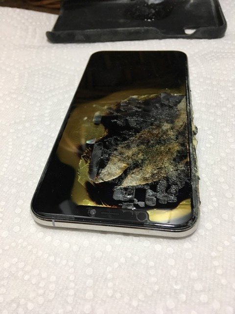 iPhone XS Max Caught Fire and Exploded in Owner's Pocket: Report